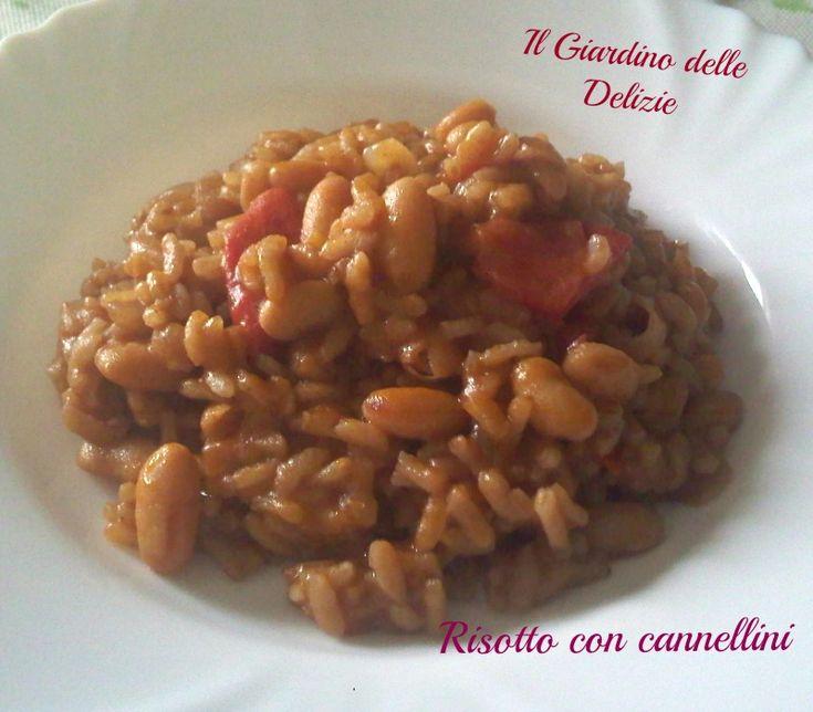 Il risotto con cannellini è un profumatissimo caldo risotto autunno_invernale cucinato con questa qualità di fagioli secchi e messi a bagno la sera prima.