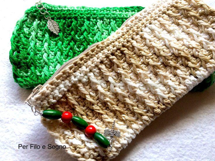 Astuccio portapenne uncinetto - Crochet pencil case di perfiloesegnostore su Etsy