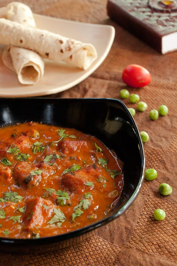 Mutter Paneer - Peas and Indian Cottage Cheese Gravy   #recipe masalaherb.com by @Helene Dsouza  #curry