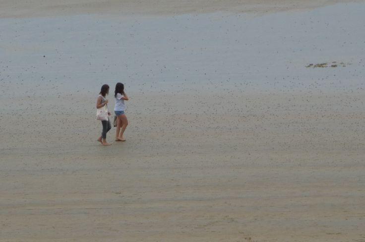 Chicas en playa de Saint Maló