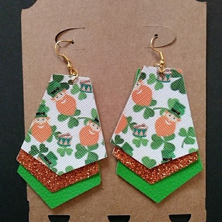 St Patrick/'s Day Triple Layered Faux Leather Dangle Earrings