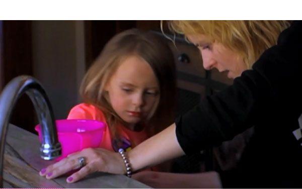 'Teen Mom 2′ Recap: Leah Has A Breakdown & Spanks DaughterAleeah