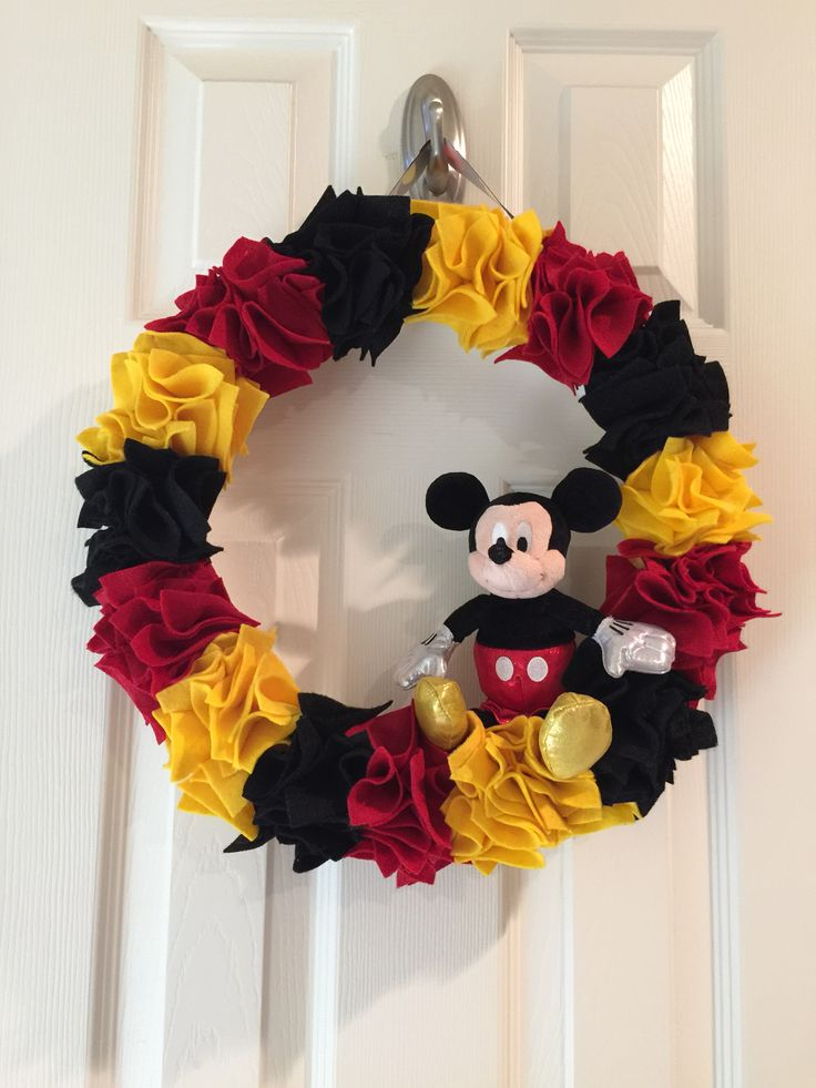 25 Best Ideas About Mickey Mouse Wreath On Pinterest