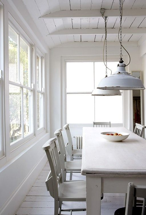 COCOCOZY: MODERN COUNTRY - SHABBY MEETS CHIC IN A WHITE RUSTIC KITCHEN!