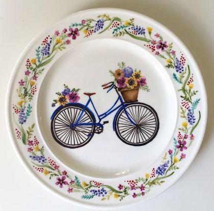 Hand painted porcelain dish / Тарелки ручной работы. Ярмарка Мастеров - ручная работа. Купить Роспись фарфора Тарелка Велосипед. Handmade. Надглазурная роспись