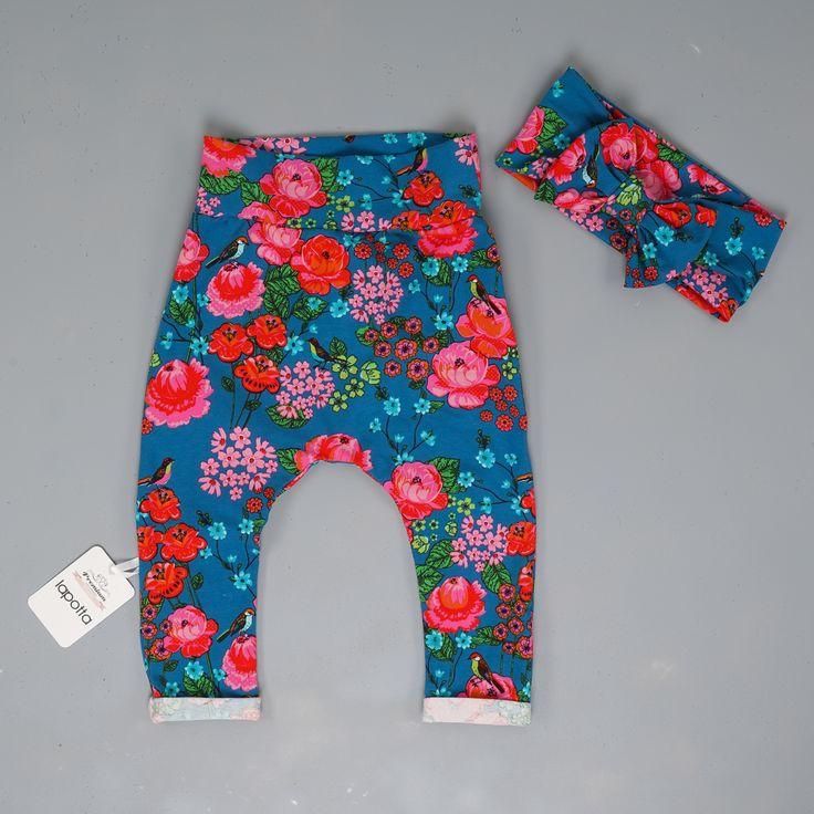 Blumenlaune pur!!!🌹🌷💐🌷🌹Diese intensiven Farben sind nach dem grauen Winter wirklich das Richtige😍😍😍Wie seht Ihr das?😍😍😍schönes WE, Ihr Hübschen💜💜💜 . Übrigens, noch mehr Blumen und vieles mehr findet Ihr im Shop ➡️➡️➡️www.lapotta.com ⬅️⬅️⬅️oder unter dem Link in meiner Bio🔝🔝🔝 . #lapotta #handmade #kindermode#babymode #strampler #romper #einteiler#overall #babyblog #kidsfashion #babyfashion #mädchen #junge #haremhose #bubenmama #decke #patchwork#patchworkdecke #hamburg…