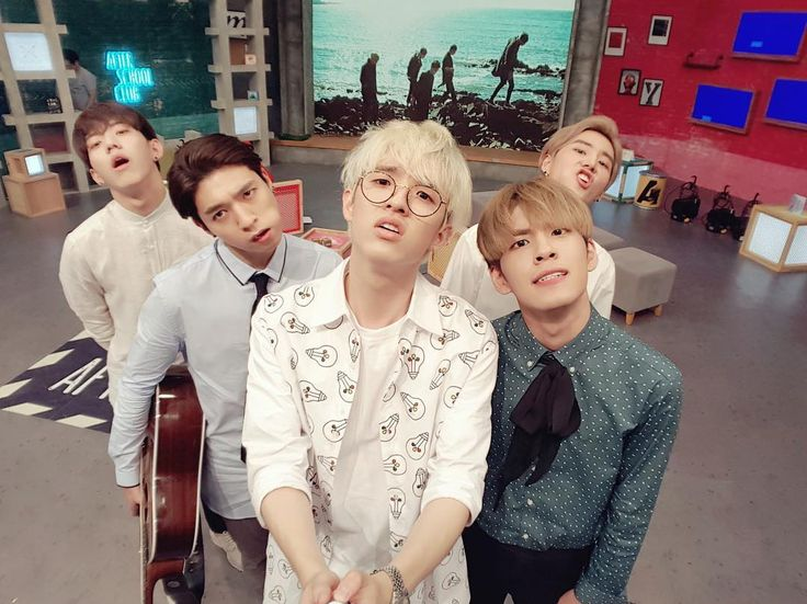 This is officially my favourite DAY6 photo. #day6_asc
