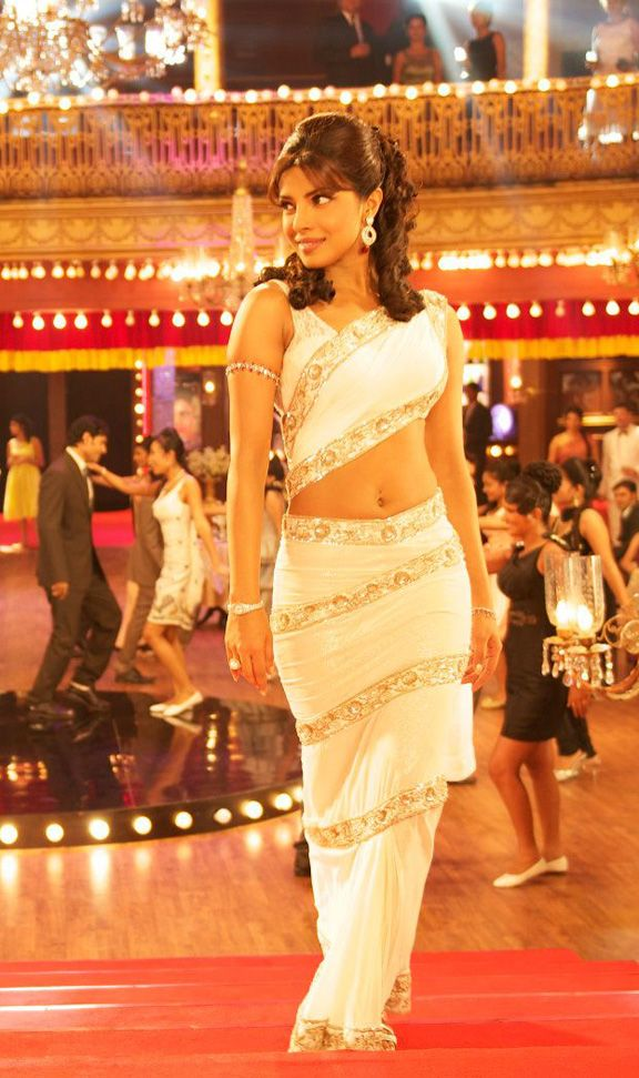 Get The Look Priyanka Chopra In Teri Meri Kahaani 1960