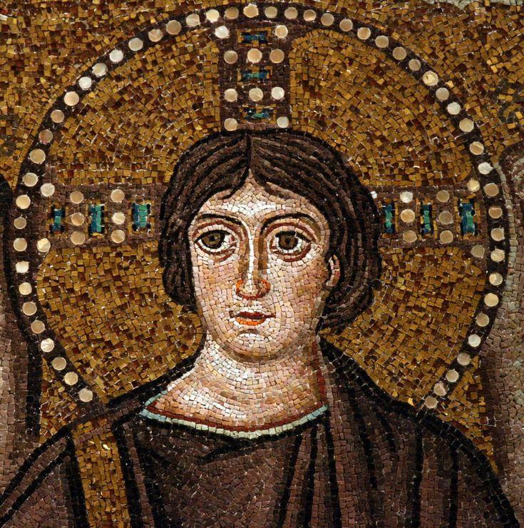 """Basilica di San Vitale, Ravenna. I Mosaici bizantini, 546-547. Il periodo di Giustiniano. CRISTO. Un particolare del mosaico """"Cristo in globo fiancheggiato da angeli, dal vescovo Ecclesio e da San Vitale""""."""