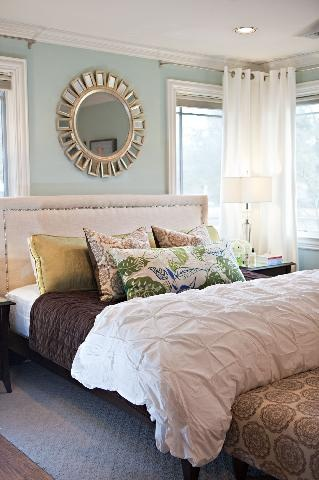 .want this!Guest Room, Wall Colors, Mirrors, Bedroom Idea, Corner Curtains, Paint Colors, Master Bedrooms, Painting Colors, Bedrooms Ideas