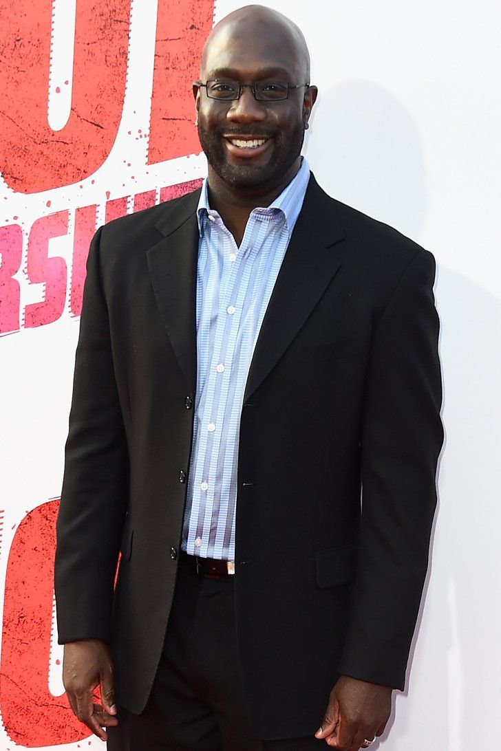 Pin for Later: The Full Cast of American Horror Story: Hotel Richard T. Jones Jones, who you may recognize from Narcos, plays a detective who works with John Lowe.