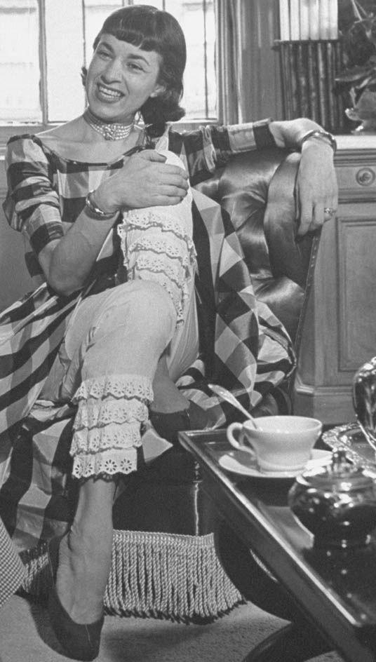 La década de 1950 vio un regreso a un estilo más femenino. (Getty Images/Archivo)