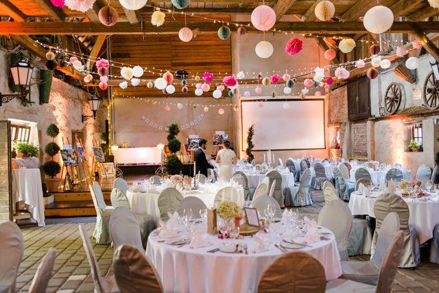 Familire Vintage Hochzeit in der Scheune von Nathalie