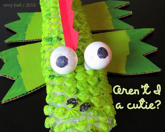A fun craft for kids – using bubble wrap!: Crafts For Kids, Splendid Crafts, Crocodile Kids, Kids Crafts, Bubbles, Home Decor, Wrap Crocodile, Bubble Wrap, Fun Crafts