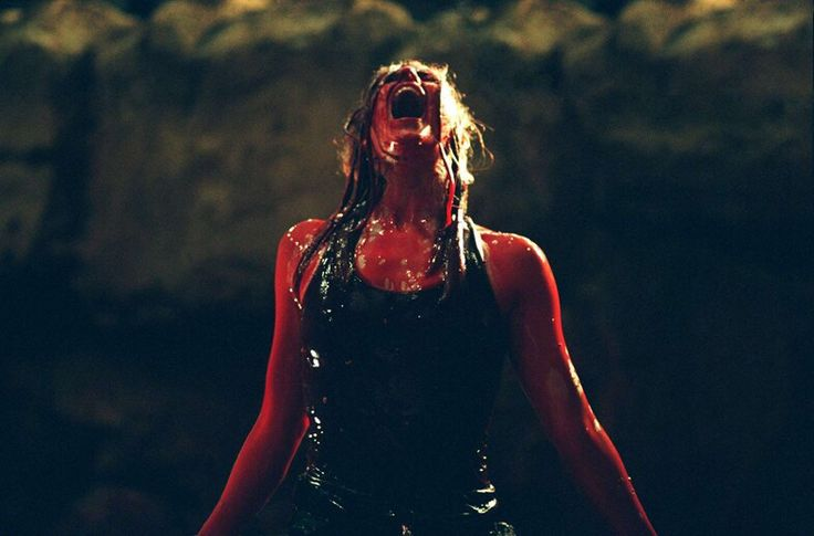 Shauna Macdonald excellent final girl in The Descent #WomenInHorror #CryptFamily @LondonCrypt