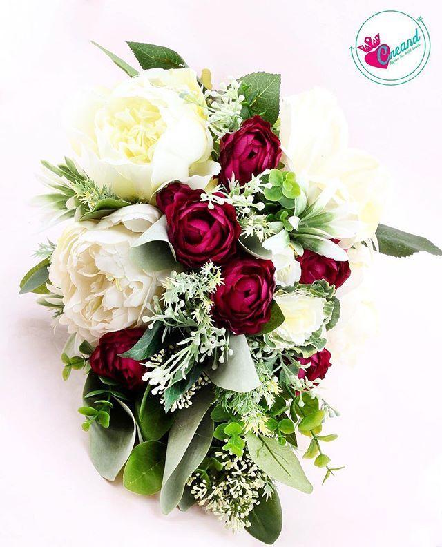Doğal görünümlü buketlerden hoşlanıyorsanız bu tasarımın farklı renklerini de sizin için çalışabiliriz 💕 #gelinbuketi #buket #gelintaci #etsy #bridalhair #wedding #bride #hairaccesories #weddingbouqet #bouqet #weddinday