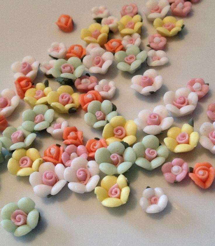 Pretty flowers for your locket