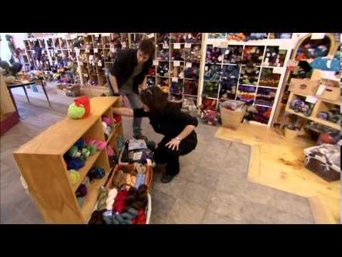 LUC LANGEVIN - Comme par magie - Le chat vert - YouTube  Grand magicien québécois.  Le meilleur!!