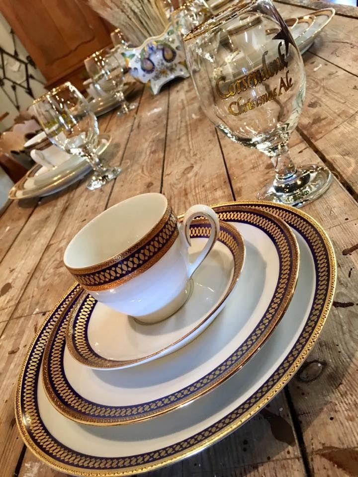 Corsendonk Christmas Ale Bier Glasses, Set of 10, $170 #burnsantikhaus #tablescape #gold #homedecor #antiques #bier #glasses #drinkware #drinks #tablescapes #antiqueshop