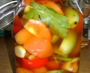 Ντομάτες τουρσί
