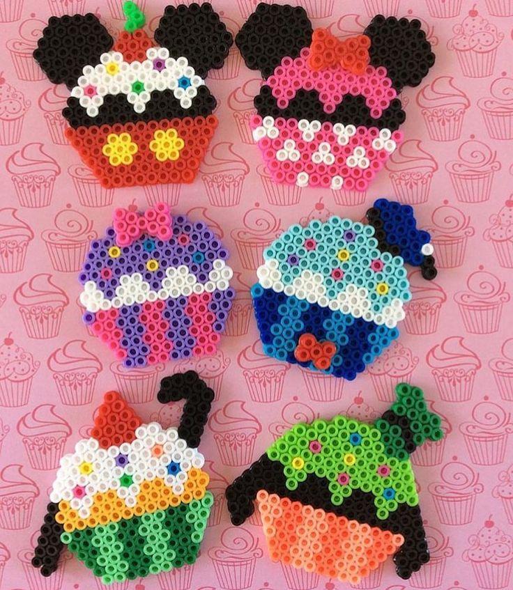 いいね!104件、コメント1件 ― Disney_Craftsさん(@disney_crafts)のInstagramアカウント: 「We love all the fun designs you can make with peeler beads! These Mickey and Friend inspired…」