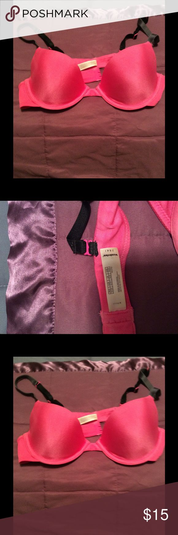 Pink Wonderbra push up New pink push up Wonder Bra wonderbra Intimates & Sleepwear Bras