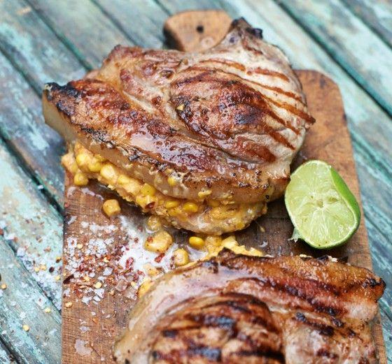 Saftiges Schwein mit inneren Werten: Mais, Chili und Cheddar machen es noch mal so lecker.