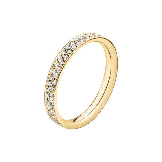 Hos oss finner du den klassiske enstensringen, allianseringer og vakre håndlagde diamantringer.  Handle sikkert i vår nettbutikk eller besøk din nærmeste butikk idag!
