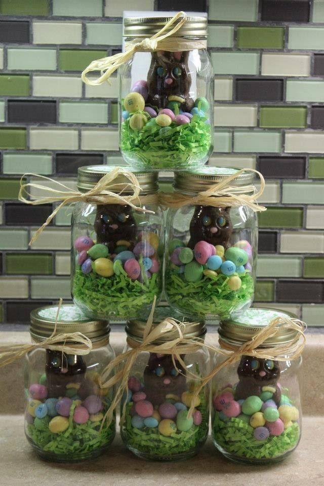 Chocolats de Pâques dans un joli bocal. D'autres idées sur le site.