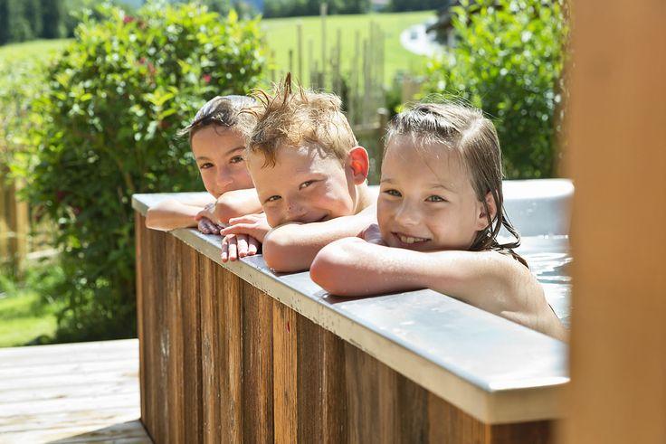 Badespaß im Chalet-Urlaub // Chalet holidays and bathing fun