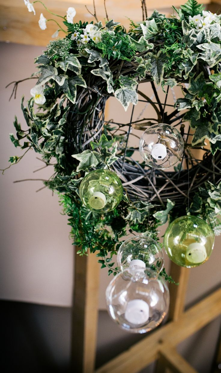 Impressive when seen, we create a wreath of woodland green