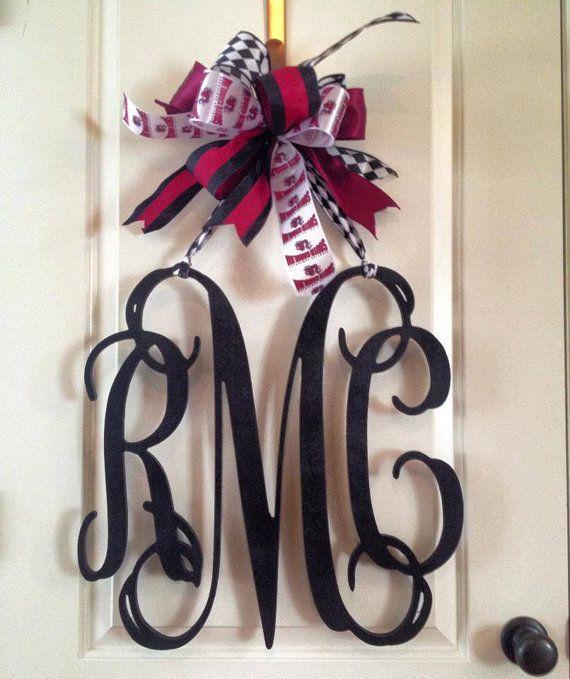 20 inch 3 letter wooden front door monogram with bow gamecock monogram garnet and black. Black Bedroom Furniture Sets. Home Design Ideas
