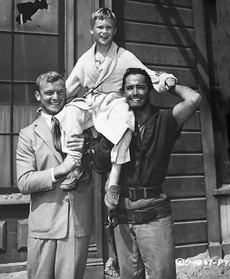 JOHN DEREK, ALDO RAY, AND YOUNG BRANDON DE WILDE 8X10 PHOTO