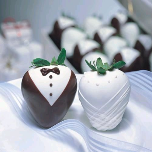 Bride and Groom chocolate strawberries!