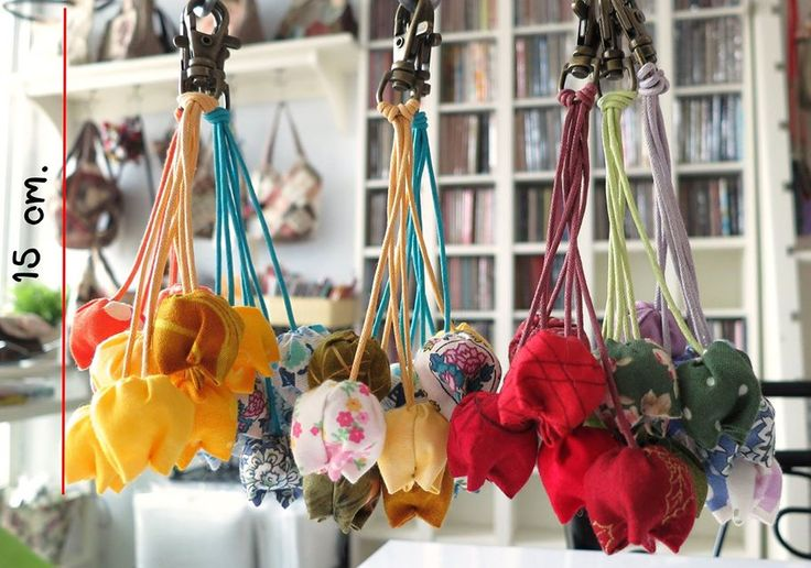 #tulip #fabric #handmade #flower #sewing #craft #keychain #moetaya