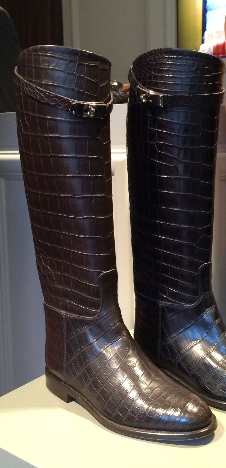 Crocodile flat riding boots - Fall boots 2014 Hermès - http://thesocialny.com/hermes-steps-up-with-new-shoe-collection/