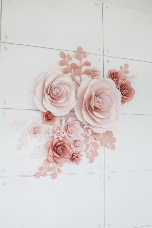 This paper flower set of 13 Unique Large Paper Flowers + 12 paper leaves includes: •5//13cm = 3 Lilia flowers •6//15cm = 2 Garden Roses •7//18cm = 3 Garden Roses •10//25cm= 3 Garden Roses •18//45cm= 1 Extra Big Garden Rose •22//55cm = 1 XXL Garden Rose •10//25cm = 8 Paper leaves •16//43cm = 4 Paper Leaves  COLORS: Any color combination is available. Feel free to contact us r...