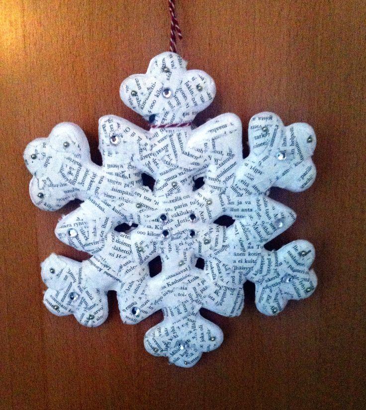 Winter door decoration. Diy.