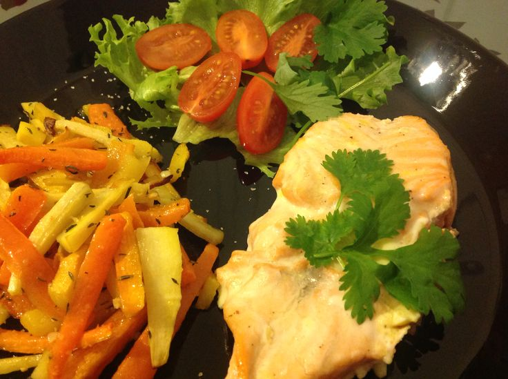 Salmon with horseradish and owen baked vegetables