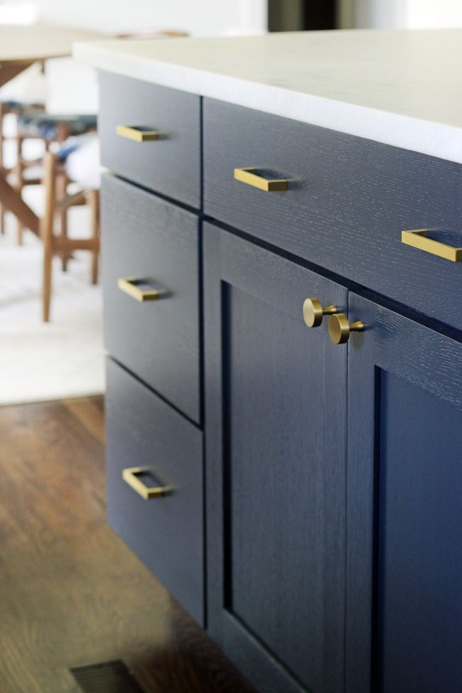 Cabinet Knobs and Pulls.... Today I am going to break down the good, the bad & the ugly on cabinet hardware. Plus I will be sharing all of my favorite