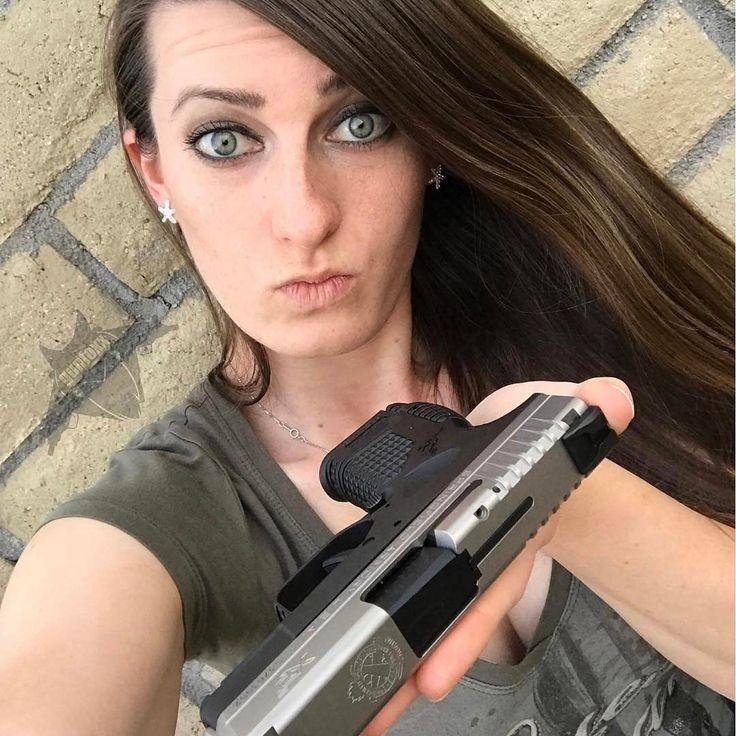Repost @gunfoxx  ・・・  Say hello to my little buddy. :) @springfieldarmoryinc XDS 9mm in bi-tone. #girlswithguns #gunfoxx #xds #springfield #9mm #subcompact #edc #gungirl