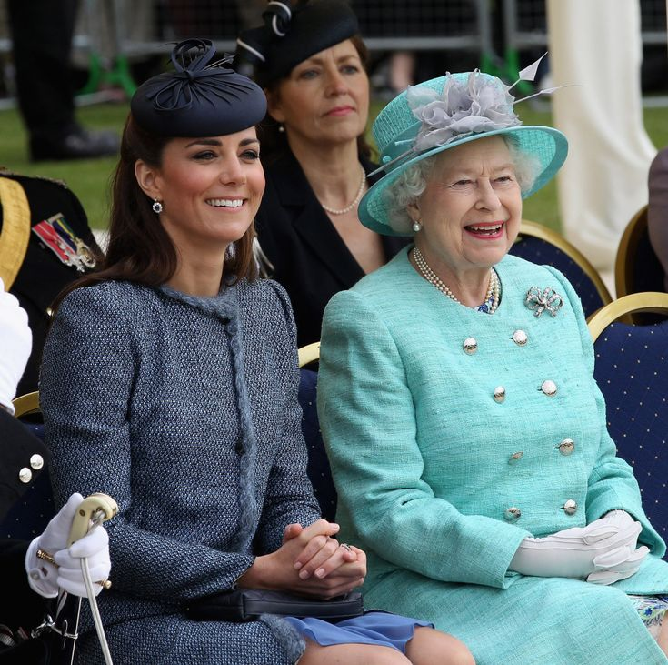 Kate and the Queen...Royal Families, Duchess Of Cambridge, The Duchess, The Queens, Kate Middleton, Prince William, Elizabeth Ii, Duchess Kate, Queens Elizabeth