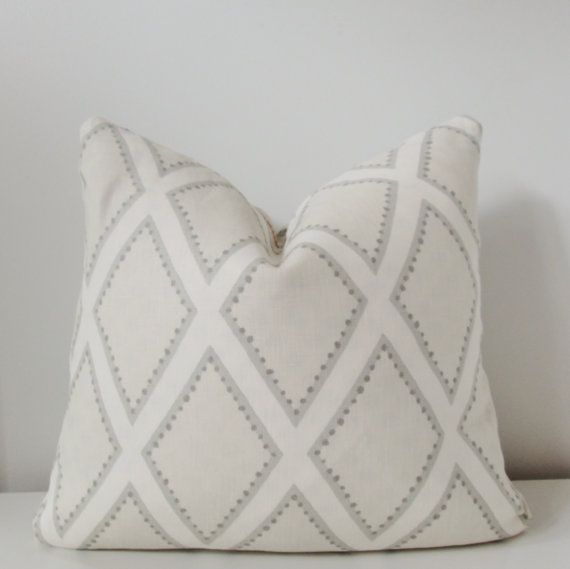 Beautiful pillow cover made of geometric print linen by