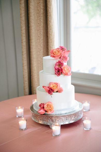 Red, Coral + Persimmon Wedding Cake Decor // Creek Club at I'On // Dana Cubbage Weddings // Charleston SC Wedding Photographer