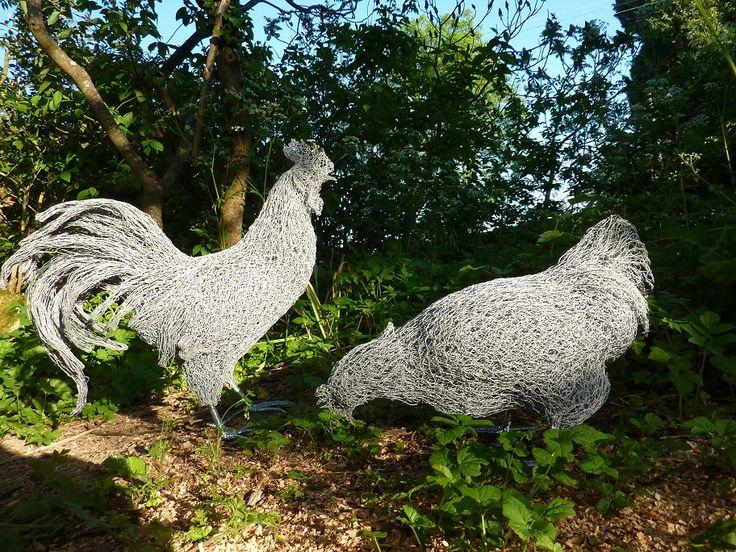 466 best steel wire art images on pinterest wire for Chicken wire sculptures uk