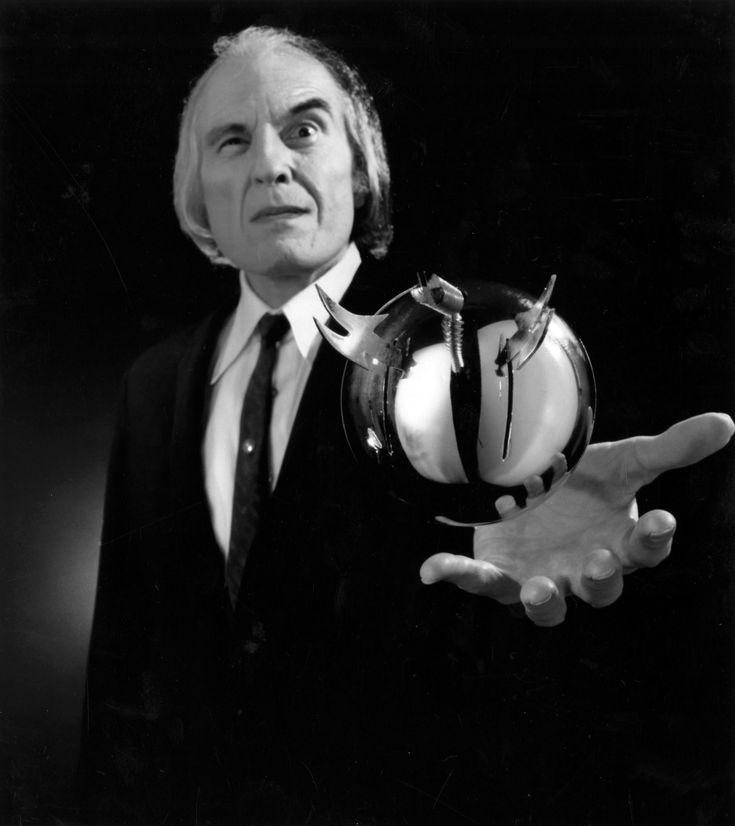 Possibly the most insane premise for any horror movie of its time. Phantasm - The Tall Man