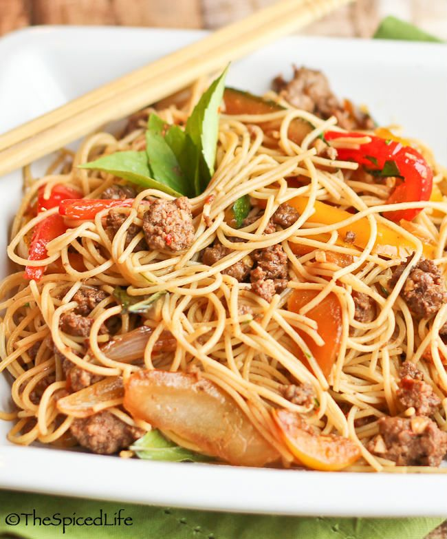 Thai Stir Fried Angel Hair Noodles with Ground Beef, (Chile or Bell) Peppers, Garlic and Basil --super fact and easy, great for weeknight!!!!