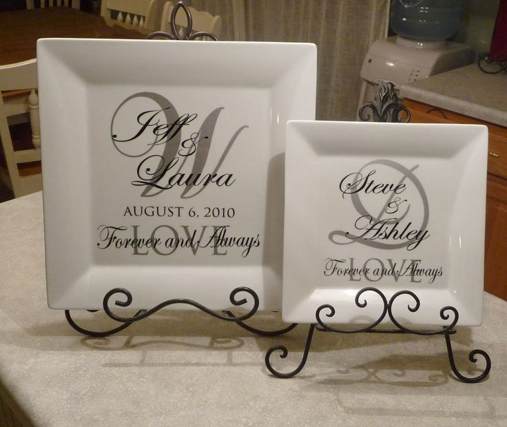 """Wedding+plates+with+vinyl 