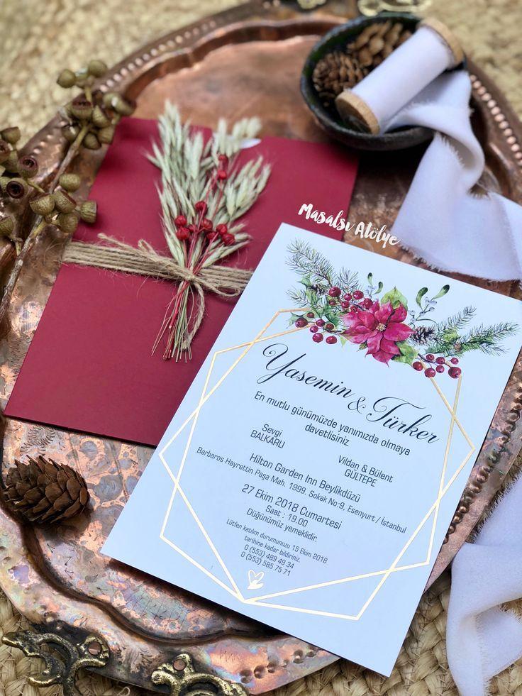 Partecipazioni Matrimonio Natale.Partecipazioni Nozze Nei Toni Del Rosso Verde E Oro Per Un