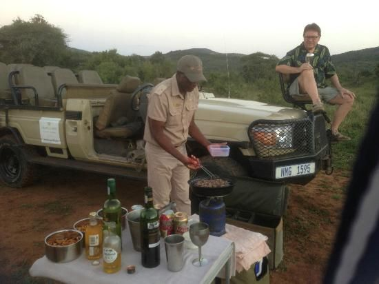 Amakhosi Safari Lodge: We were always offered a delicious snack in the bush